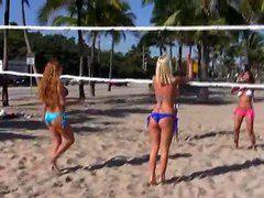 Секс на пляже видео смотреть бесплатно