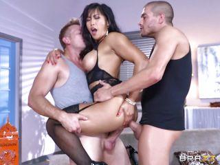 Порно группа кончают внутрь