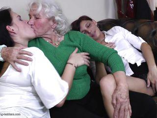 Порно ролики зрелые анал