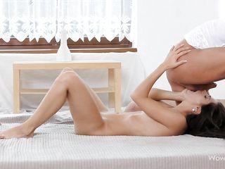 Порно видео анал с красивой девушкой