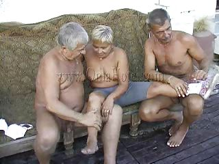 Жестокое порно с бабушкой